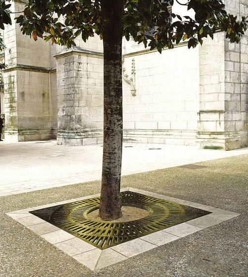 Comti grate by Concept Urbain | Tree grates / Tree grilles