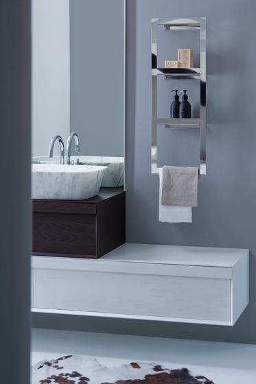Kiri Shelves with towel rack by Arlex Italia | Towel rails