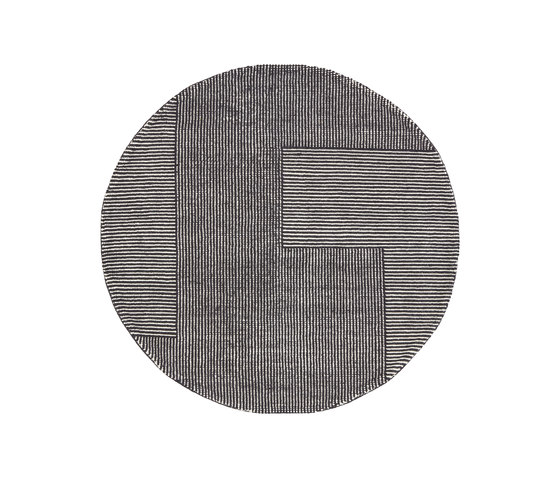 Stripe Rug Round Black and White by Tom Dixon | Rugs