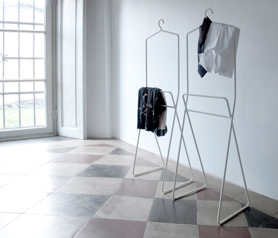 Bernardo by Capo d'Opera | Clothes racks