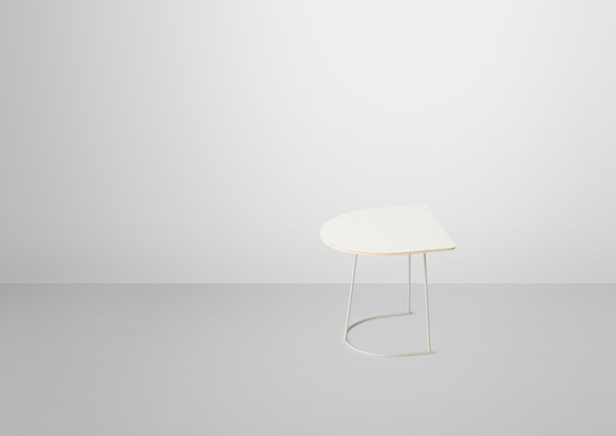 Airy Coffee Table | half size de Muuto | Tables d'appoint