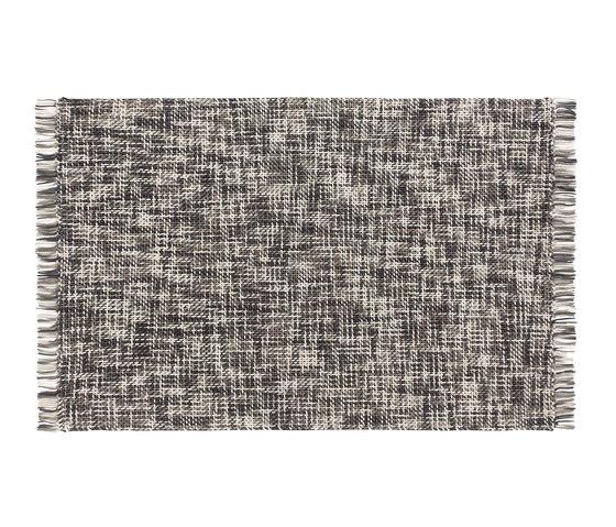Lama Rug Grey 1 von GAN   Formatteppiche
