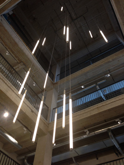 Solo tube general lighting from archxx architonic for Eclairage neon interieur