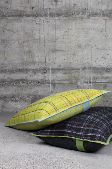 CUSHION CAVALLO KARO by Création Baumann | Cushions