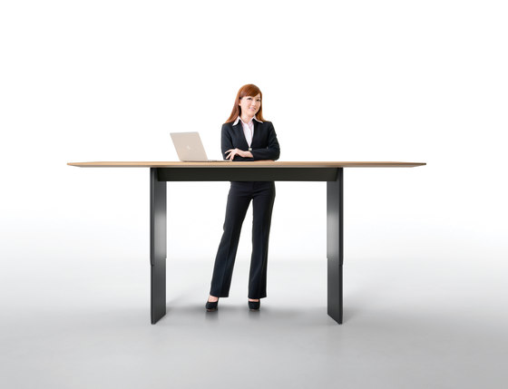 Pace office table by RENZ | Contract tables