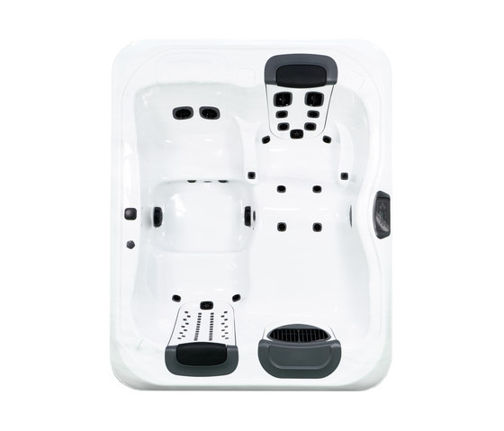 Comfort Line R5L by Villeroy & Boch | Hydromassage baths