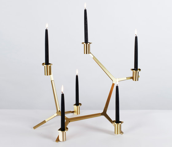 Agnes candelabra table 6 candles brass de Roll & Hill | Bougeoirs