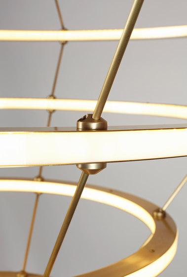 Halo Chandelier - 4 Rings (Brushed brass) de Roll & Hill | Lámparas de suspensión