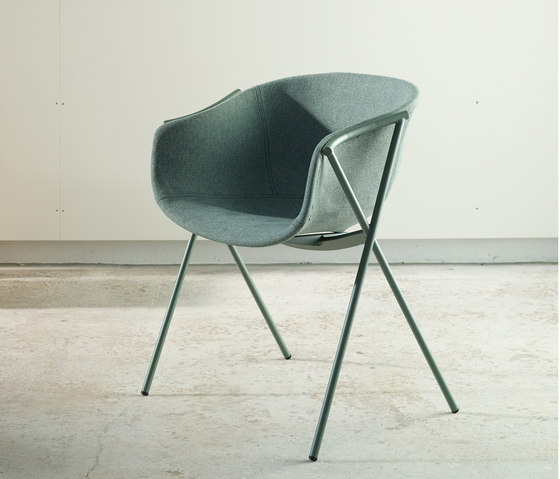 Bai Steel Chair by ONDARRETA | Restaurant chairs