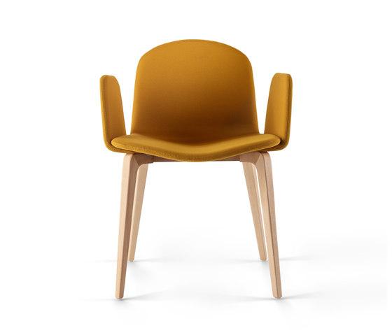 Bob XL Wood Chair with Armrests von ONDARRETA | Stühle