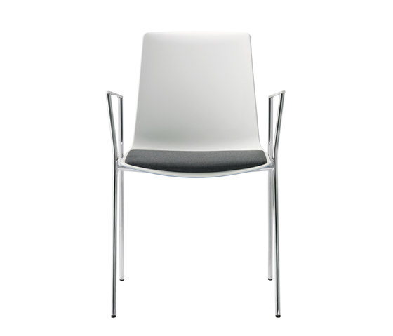 nooi meeting and café chair by Wiesner-Hager | Chairs