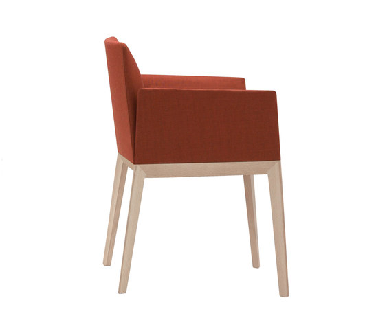Pillow SO 1541 by Andreu World | Restaurant chairs