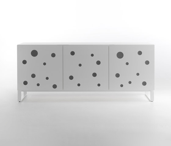 Polka Dots Full White di CASAMANIA-HORM.IT | Credenze