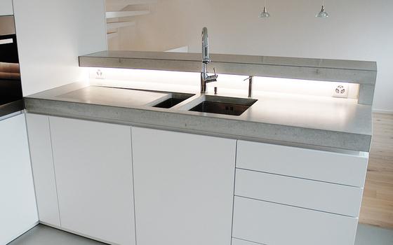 Concrete Kitchen | Design Example di Dade Design AG concrete works Beton | Pannelli cemento