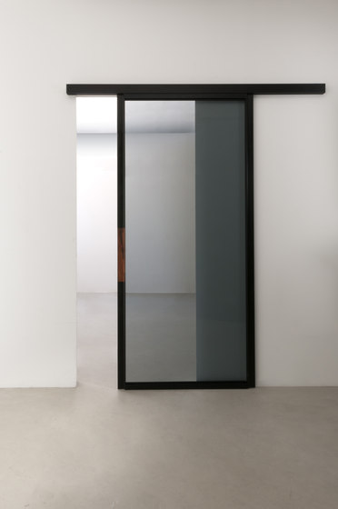 Quinta sliding door by Albed | Internal doors