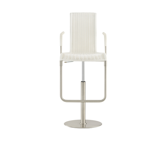 D32 E Bar chair with armrests by TECTA | Bar stools