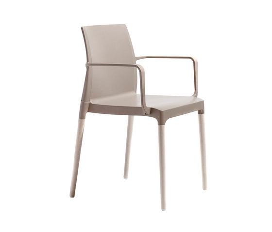 Natural Chloé by Scab Design | Restaurant chairs