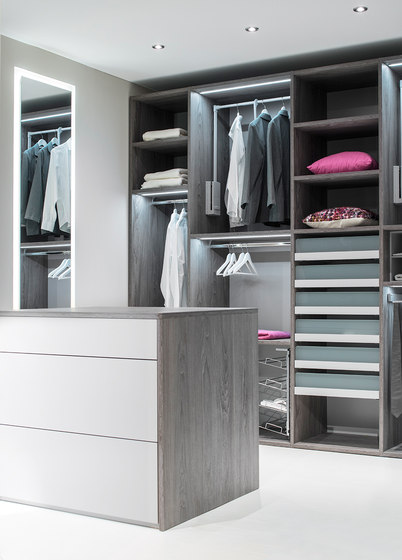 fokus dressline begehbare schr nke von sudbrock architonic. Black Bedroom Furniture Sets. Home Design Ideas