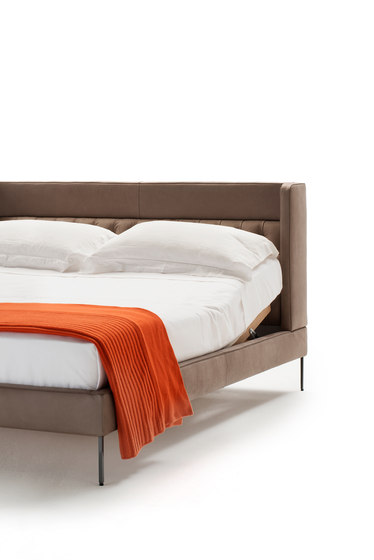 Lipp Bed de Living Divani | Camas dobles