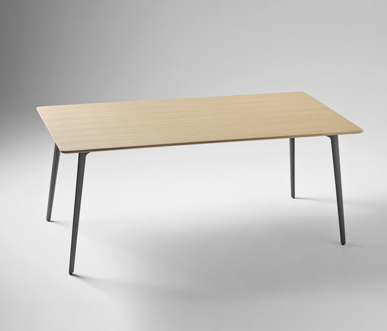 Fly by Sellex | Dining tables
