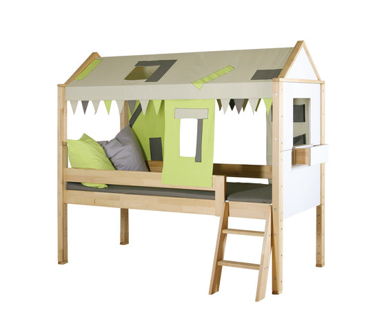Countryside semi-high play bed di De Breuyn | Kids beds