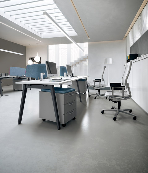 DV804-E-Place 03 by DVO | Desking systems