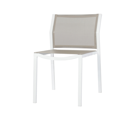 Allux dining stackable side chair de Mamagreen | Sillas