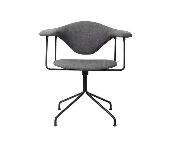 Masculo Swivel Chair de GUBI | Sillas de conferencia