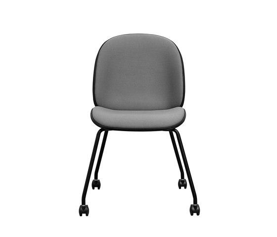 Beetle Castor Chair de GUBI | Sillas