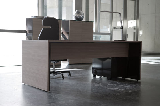 Urbana teka natural marron by Ofifran | Individual desks