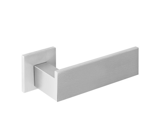 RIBBON BM104 IN by Formani | Lever handles