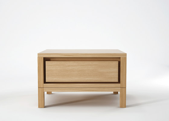 Solid BEDSIDE TABLE von Karpenter | Nachttische
