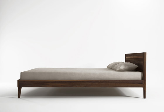 Vintage QUEEN SIZE BED by Karpenter   Beds