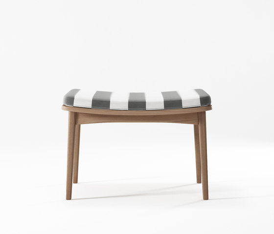 Grasshopper OTTOMAN WITH CUSHION SUNBRELLA PORTO AZUR von Karpenter | Hocker