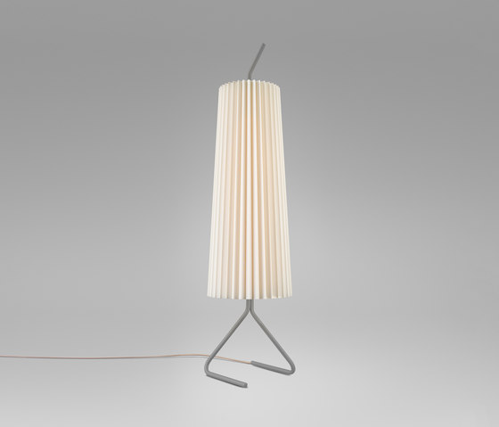 Fliegenbein SL Standing Lamp de Kalmar   Luminaires sur pied