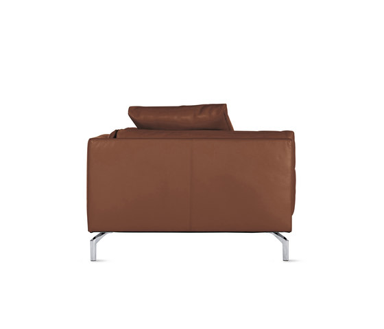 Como Chaise in Leather, Right by Design Within Reach | Recamieres