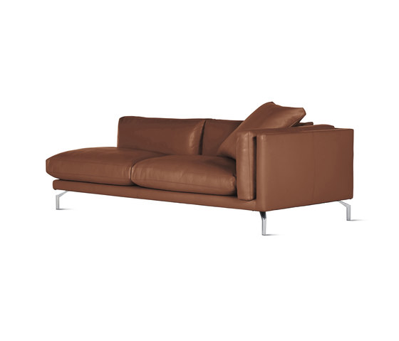 Como One-Arm Sofa in Leather, Right von Design Within Reach | Modulare Sitzelemente