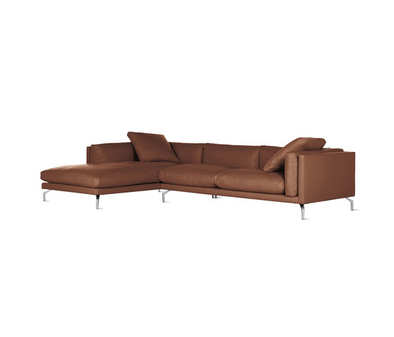 Como Sectional Chaise in Leather, Left von Design Within Reach | Sofas