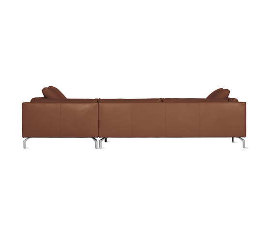 Como Sectional Chaise in Leather, Right von Design Within Reach | Sofas