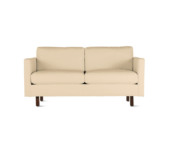 Goodland Two-Seater Sofa in Leather, Walnut Legs de Design Within Reach   Canapés