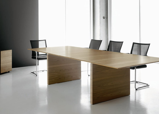 A2 by BK CONTRACT | Contract tables
