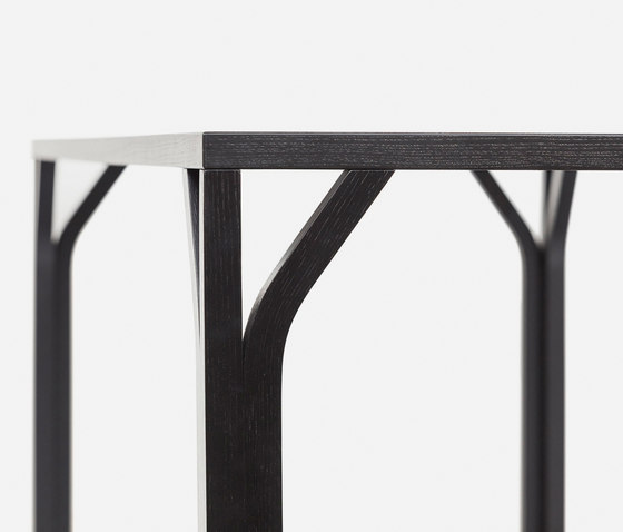 Bloom Table by TON | Dining tables