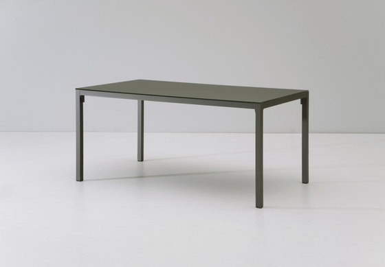 Landscape dining table by KETTAL | Dining tables
