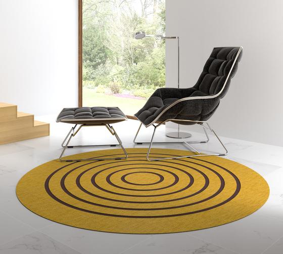 Pléyades | Organic Jaune de WOOP RUGS | Tapis / Tapis design