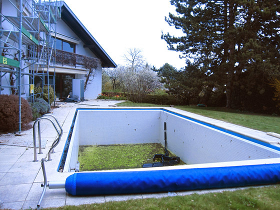piscine miroir piscines de piscines carr bleu architonic. Black Bedroom Furniture Sets. Home Design Ideas