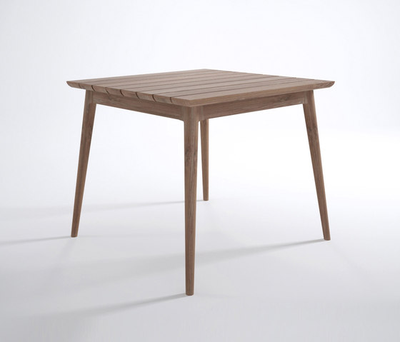 Vintage Outdoor SQUARE DINING TABLE de Karpenter | Tables de repas