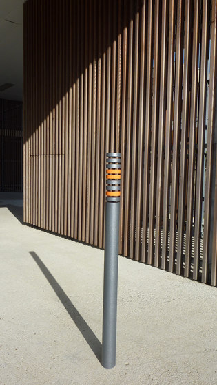 Color post by Concept Urbain | Bollards