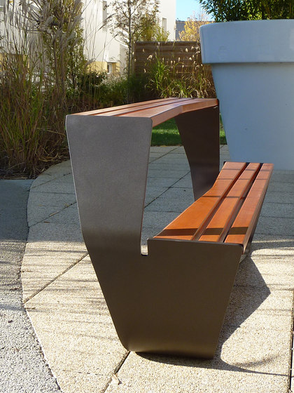 Karma picnic table by Concept Urbain | Tables and benches