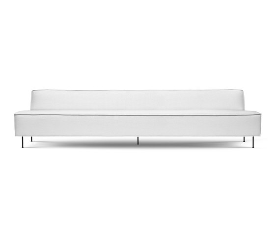 Modern Line Sofa by GUBI | Sofas