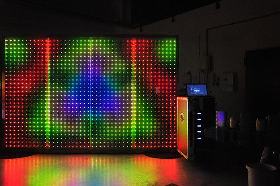powerglass® RGB media façade de Peter Platz Spezialglas | Vidrios laminados